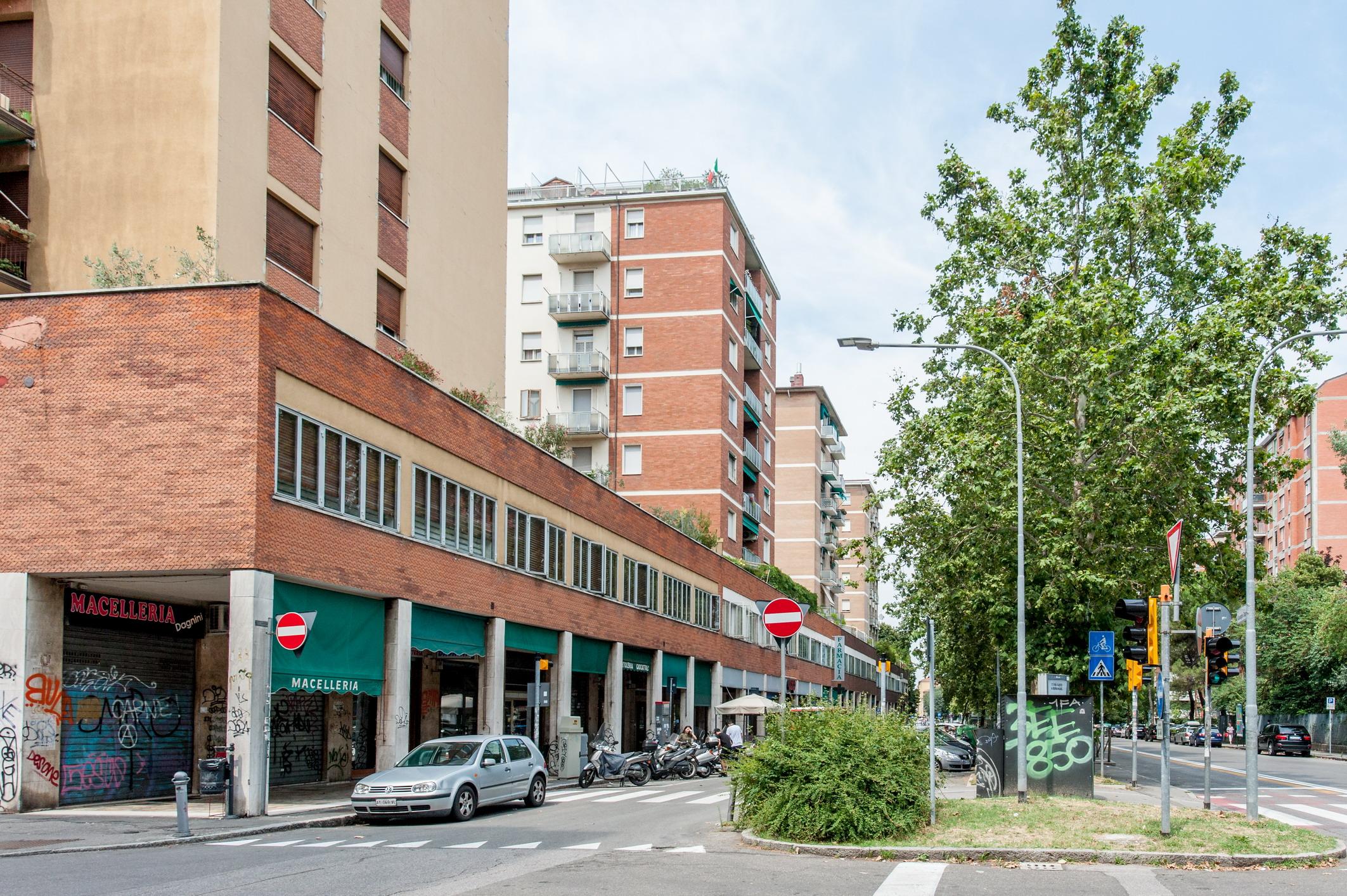 Via Dagnini 100 mq con 2 balconi e garage