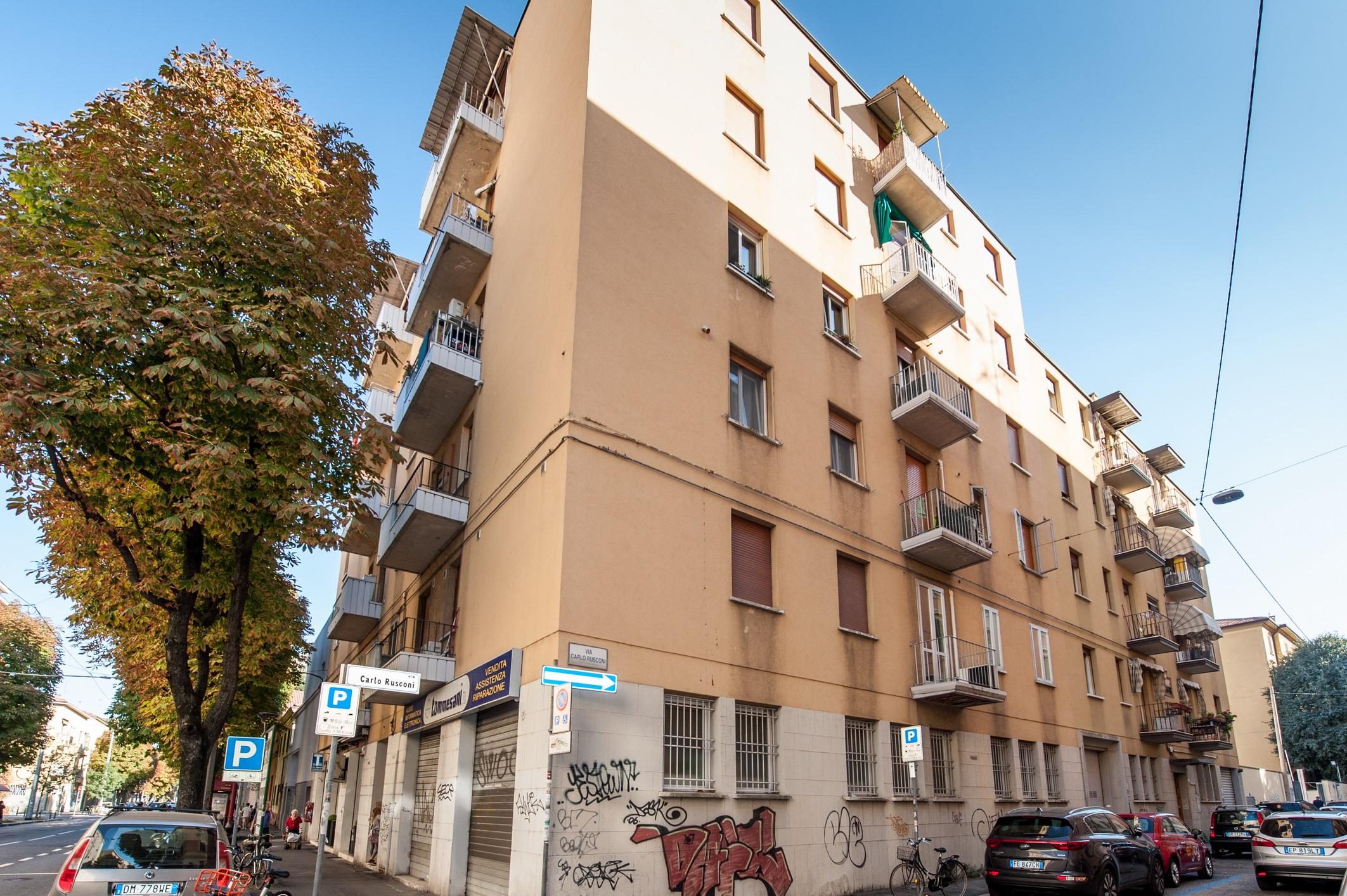 Via Rusconi 158.000