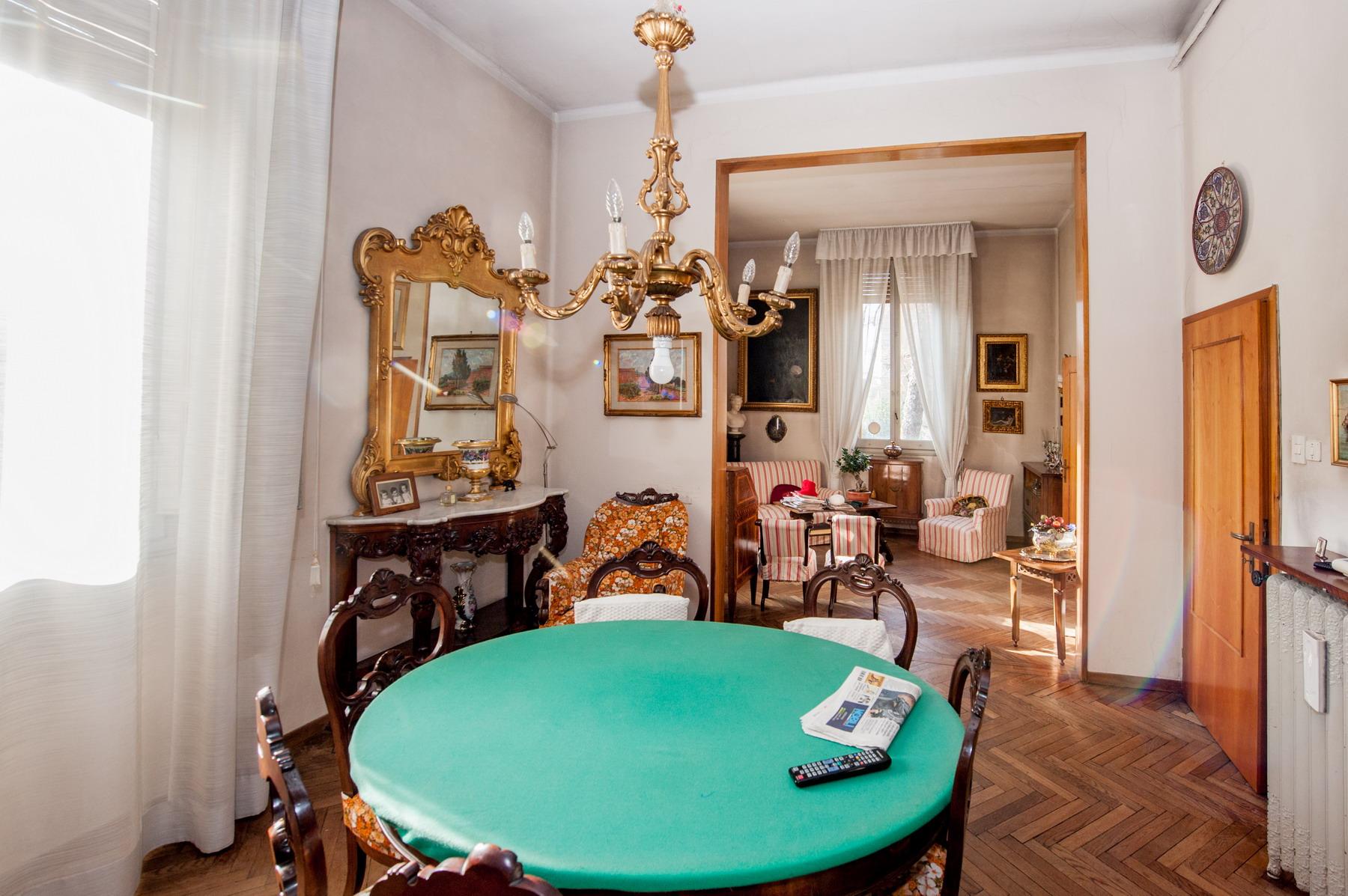 Viale Aldini villa bifamiliare con giardino e garage 780.000