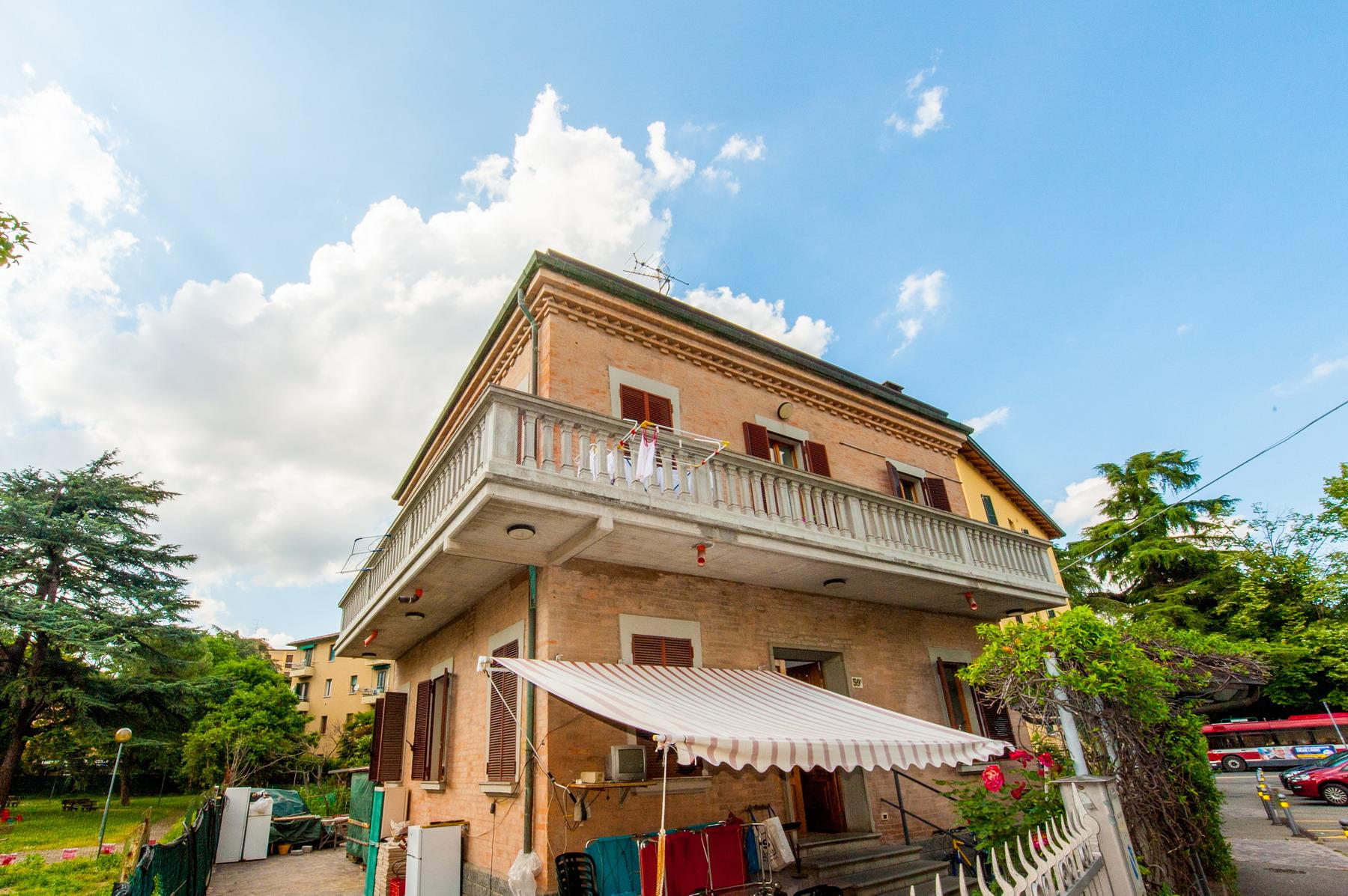S. Donato villa bifamiliare con giardino privato 720.000