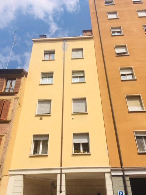 ad.ze Via San Felice: Via della Grada 65 mq. 200.000