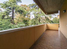 Corticella: Via Barbieri 135 mq. garage doppio 350.000