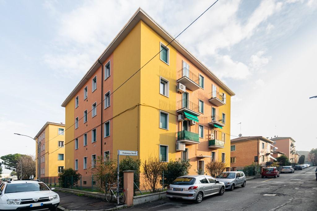 Vendita appartamento quadrilocale S.Viola 90 mq.