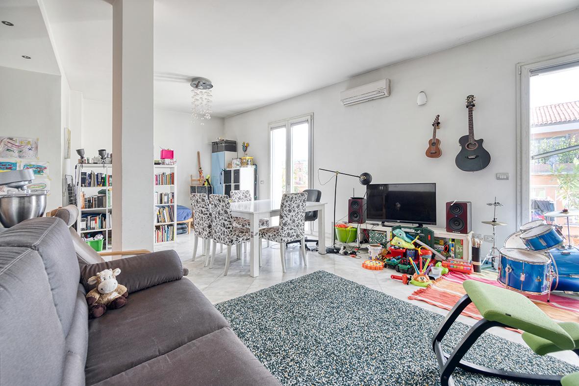 Vendita appartamento 105 mq. via Riva di Reno