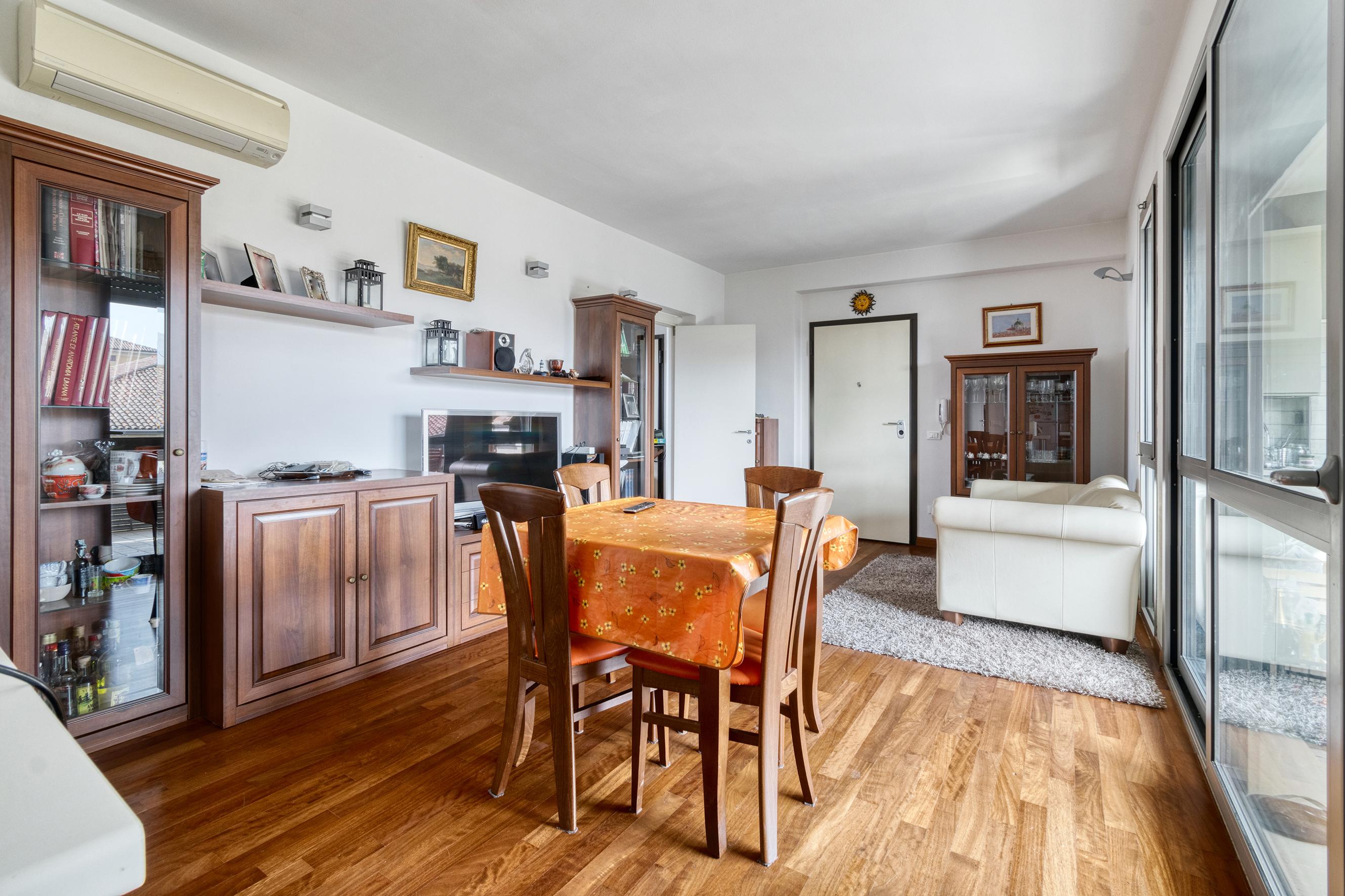 Appartamento in vendita Castel Guelfo 120 mq. con terrazzo e garage